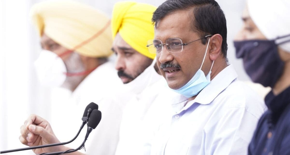 Arvind Kejriwal Dishes Out Delhi Recipe in Punjab, Promises 300 Units of Free 24x7 Power if AAP Wins