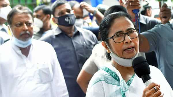 West Bengal Chief Minister Mamata Banerjee addresses a press conference at South Avenue, in New Delhi. (ANI)