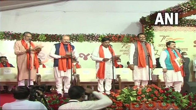 24 ministers take oath; first meeting at 4:30 pm