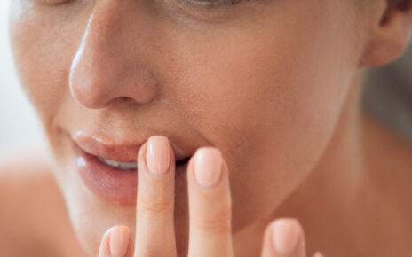 Beauty tips lips care know 6 habits that makes your lips darker pra
