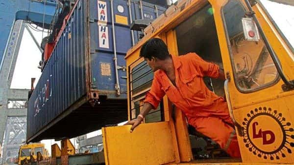 Most sectors that lead India's exports have fared well during the April to August period. During this five-month period, 17 of the 30 broad sectors recorded exports of above $1.5 billion. (Photo: HT)