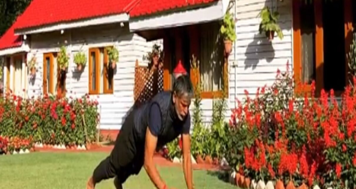 Milind Soman workout-Milind Soman fitness inspire to youngsters even at the age of 55