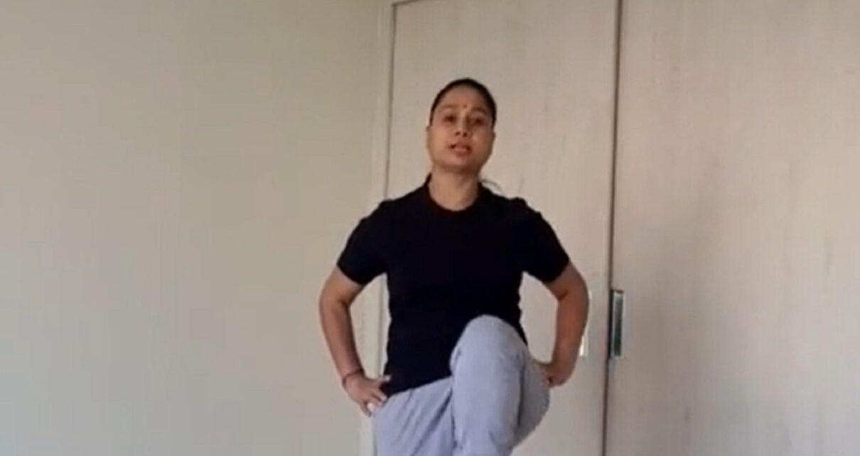 Yoga Session with Savita Yadav easy exercise to get rid of knee pain and constipation anjsh