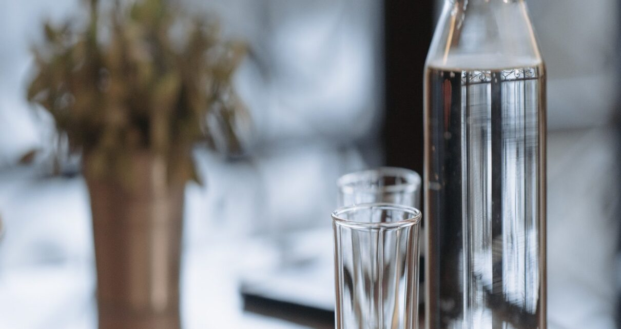 Benefits of drinking water in glass mt